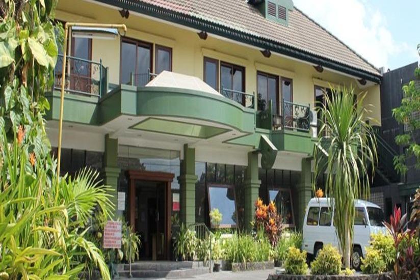 Hotel Winotosastro Garden Yogyakarta - Tampilan Luar Hotel