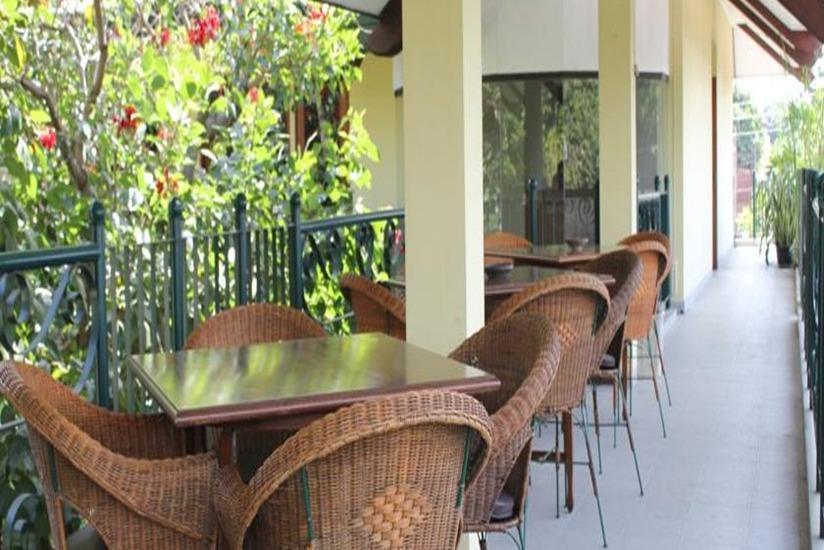 Hotel Winotosastro Garden Yogyakarta - Ruang makan