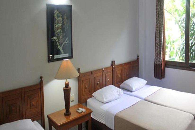 Hotel Winotosastro Garden Yogyakarta - Deluxe Triple Room Regular Plan