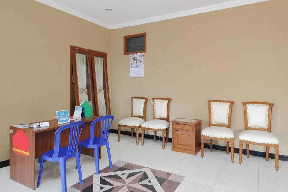 Airy Syariah Manahan Bangau Enam 8 Solo - Lobby