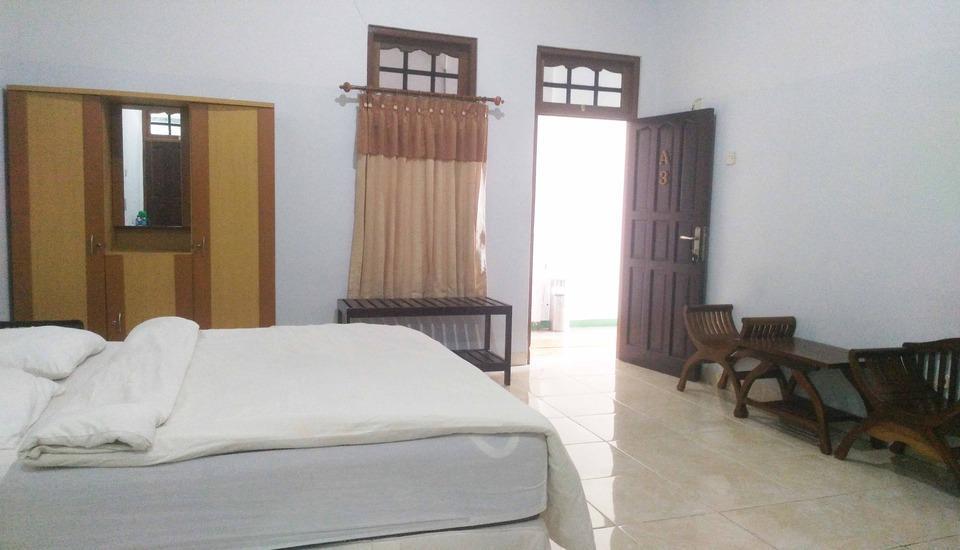 Avicenna Hotel Palangkaraya - Kamar standard dengan 1 kasur besar