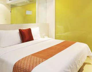 Hotel Pyrenees Jogja - kamar Superior King
