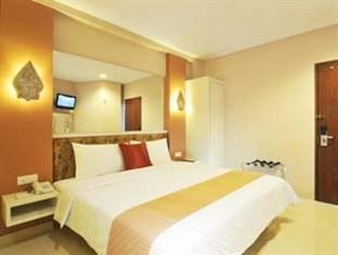 Hotel Pyrenees Jogja - Deluxe Room Regular Plan