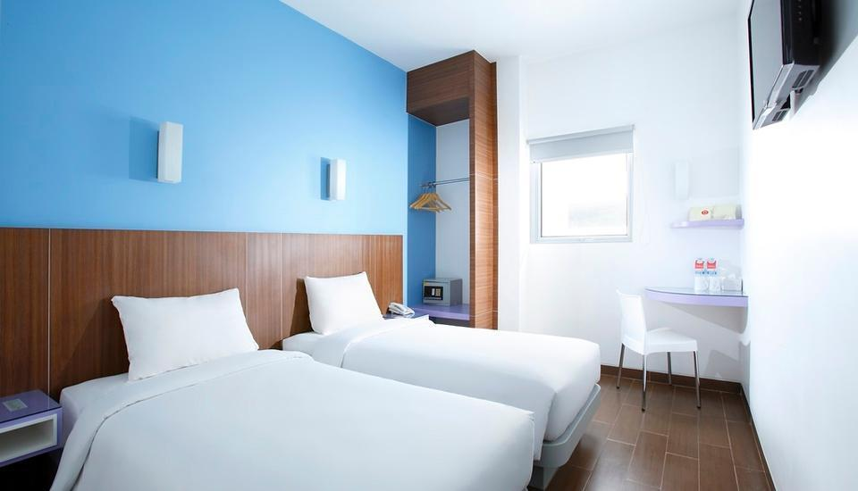 Amaris Hotel Tangerang - Smart Room Twin Regular Plan