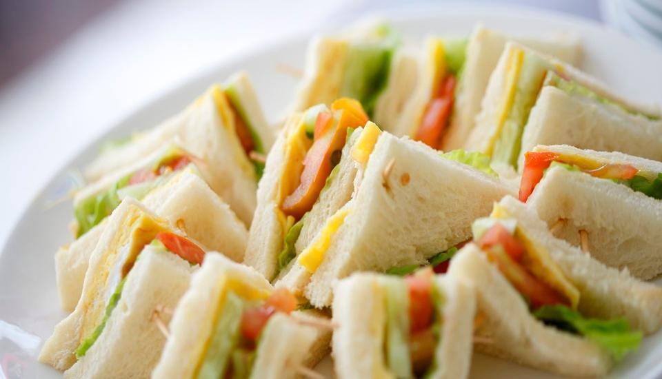 Amaris Hotel Tangerang - Menu makanan
