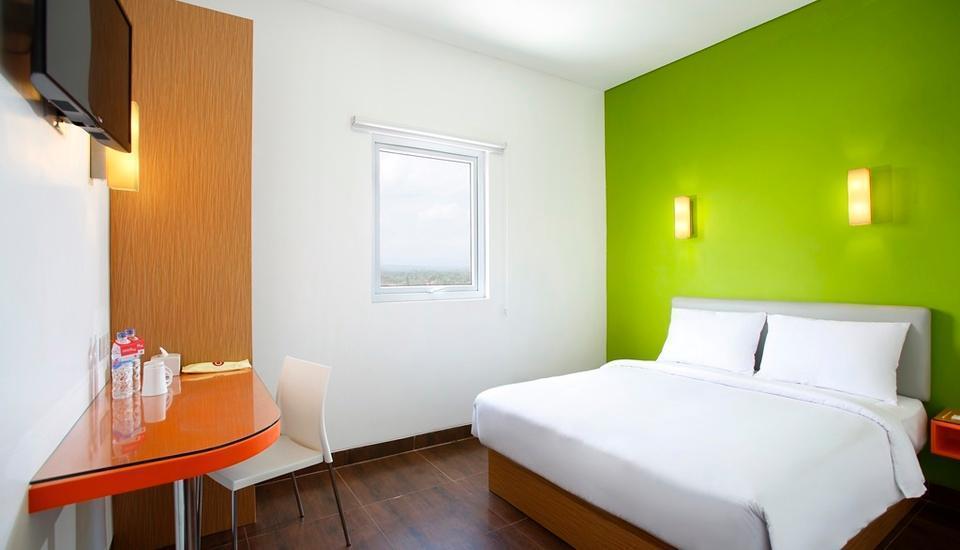 Amaris Hotel Tangerang - Double Bed