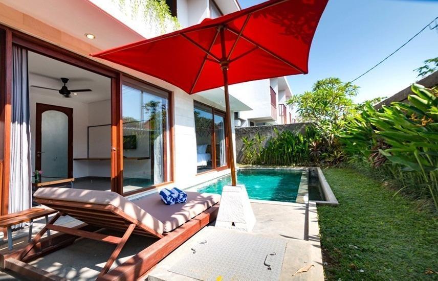 RedDoorz Villa @ Tambak Sari Sanur Bali - Kolam Renang
