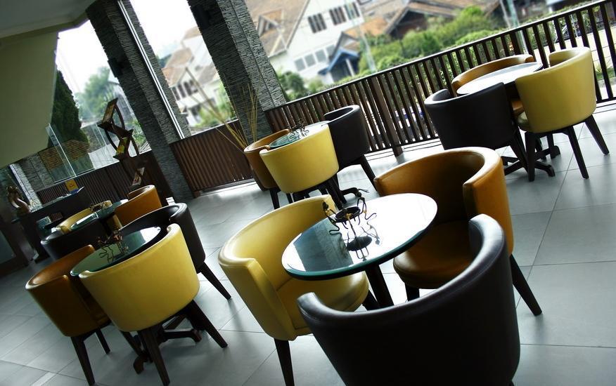 Hotel Pesona Bamboe Bandung - Lounge