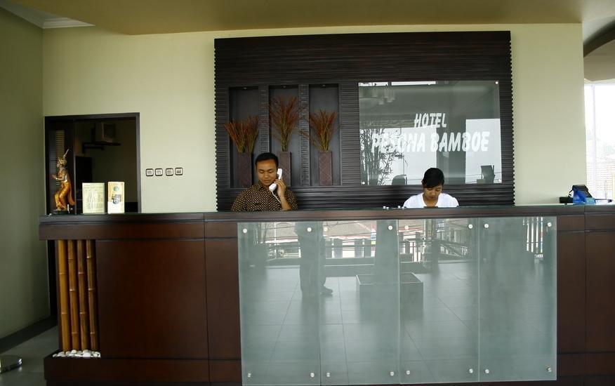Hotel Pesona Bamboe Bandung - Receptionist