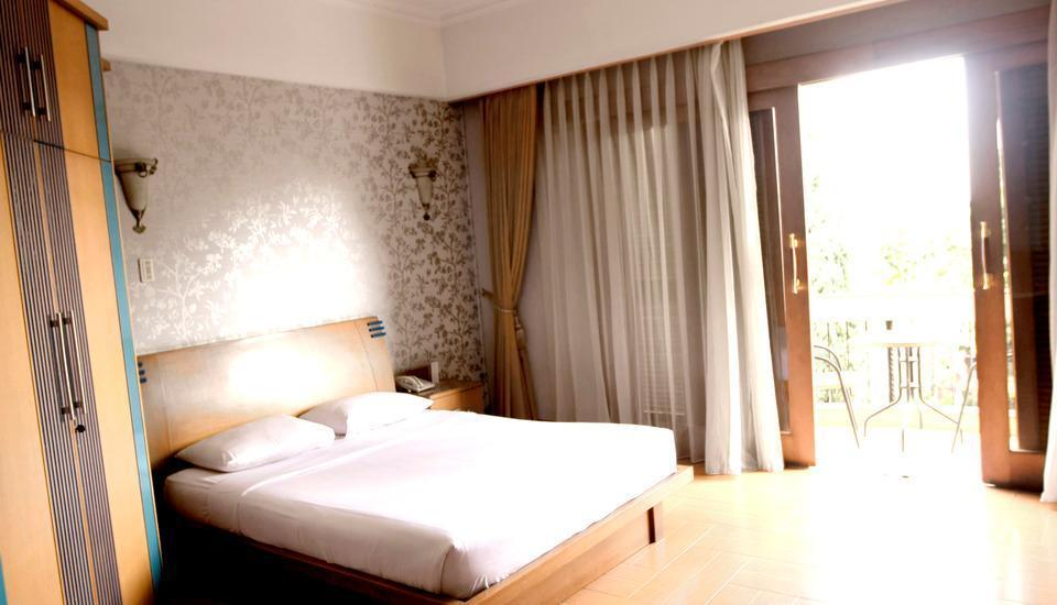 Hotel Pesona Bamboe Bandung - Premiere Room With Breakfast Regular Plan