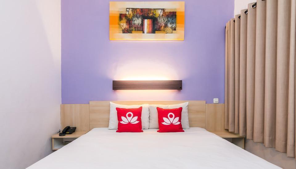 ZenRooms Legian Dewi Sri 2 Bali - Tampak tempat tidur double