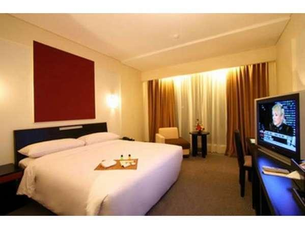 Rattan Inn Banjarmasin - Bussiness Suite Room Only Regular Plan