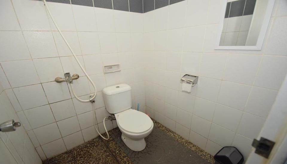 D&D Backpacker Guesthouse Bandung - Bathroom