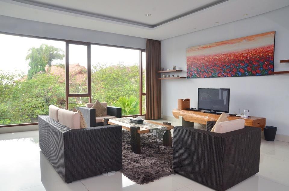 4 BR 2 Villa Dago City View Pool 2 Bandung - Ruang Keluarga