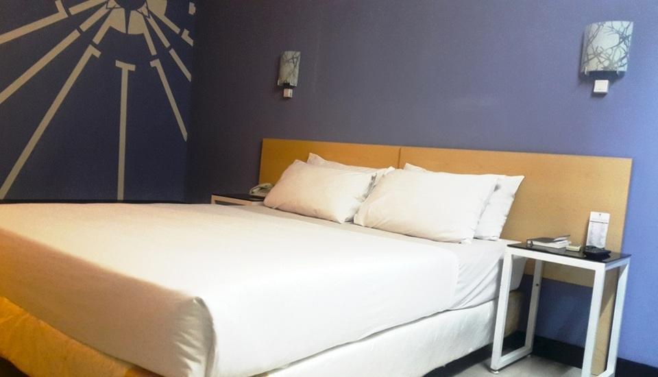 Griya Sintesa Manado - Deluxe Queen Room