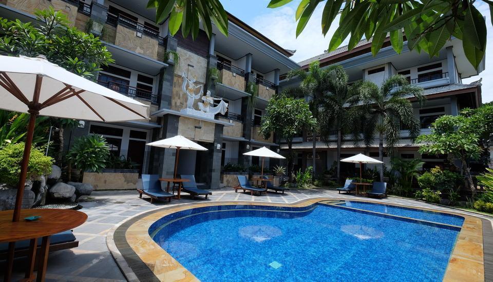 Sandat Hotel Kuta - Kolam Renang