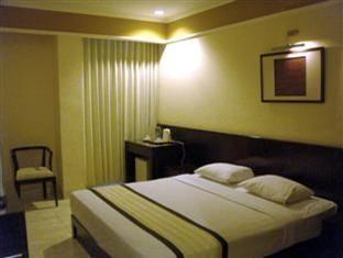 Hotel Cemerlang Bandung - Superior Room With Breakfast Regular Plan