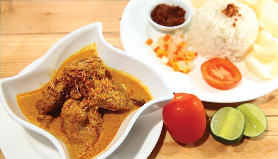 Aswin Hotel & Spa Makassar - Gulai Ikan