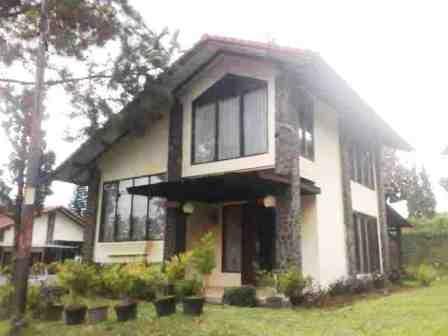 Villa Istana Bunga 2 Bedrooms Bandung - Villa Jasmine