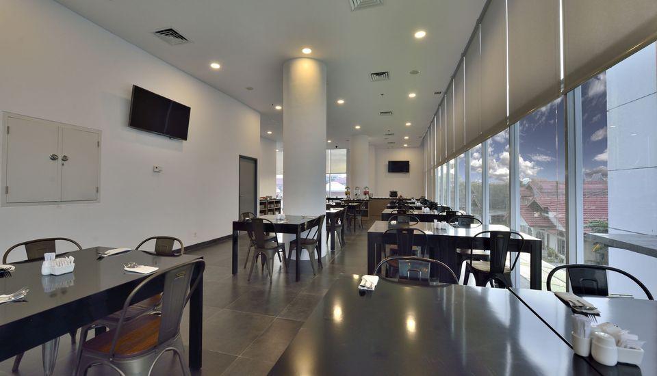Whiz Hotel Sudirman Pekanbaru - Restaurant