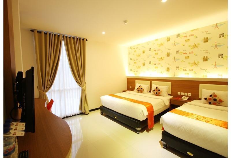 Tab Hotel Surabaya - Family Triple Room Regular Plan