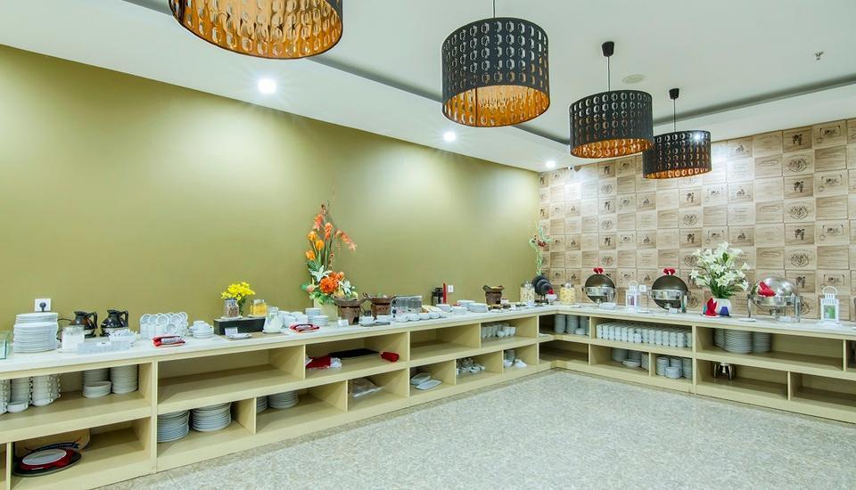de Laxston Hotel  Yogyakarta - BUFFET BREAKFAST