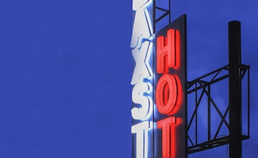 de Laxston Hotel  Yogyakarta - Exterior