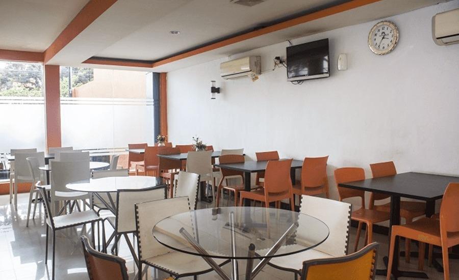 Tinggal Standard Rawamangun Pemuda 10 Jakarta - Restoran