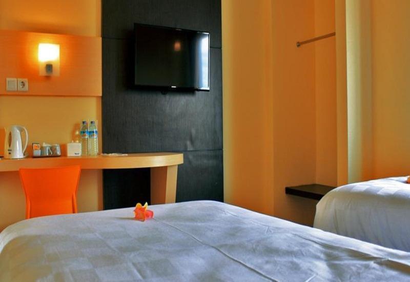 M Hotel Lombok - Kamar tamu