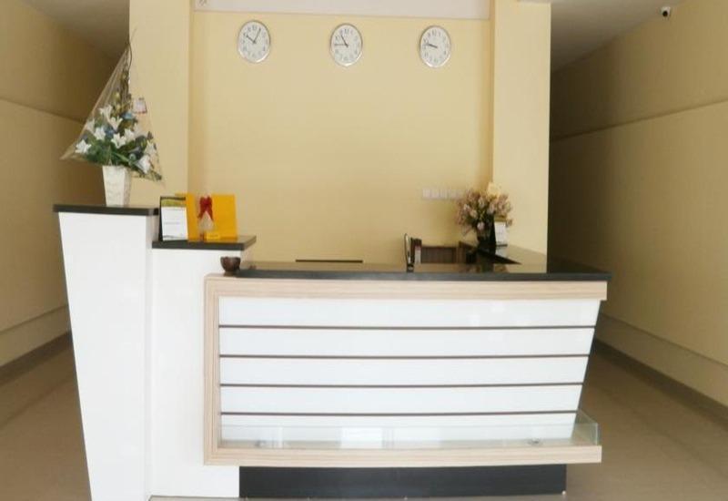 M Hotel Lombok - Lobi