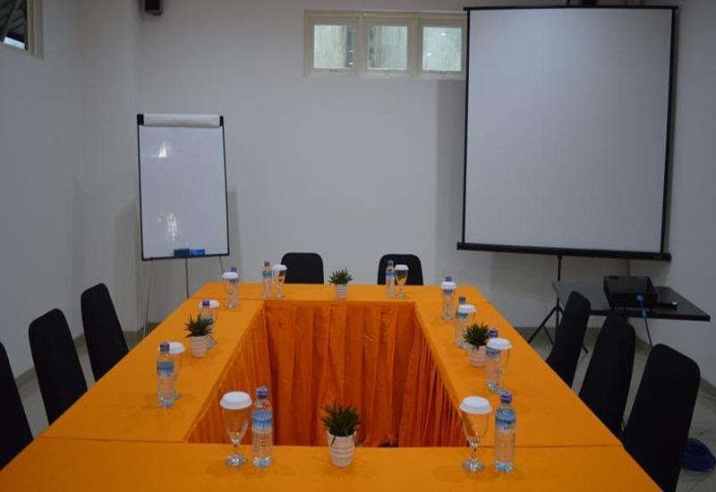 M Hotel Lombok - Ruang Rapat