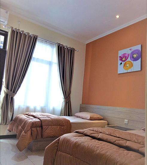 Hotel Orlando Purwokerto - Deluxe Room Regular Plan