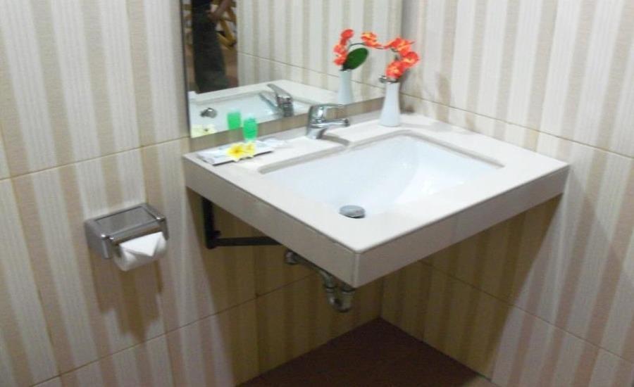 Hotel Kesambi Hijau Semarang - Kamar mandi