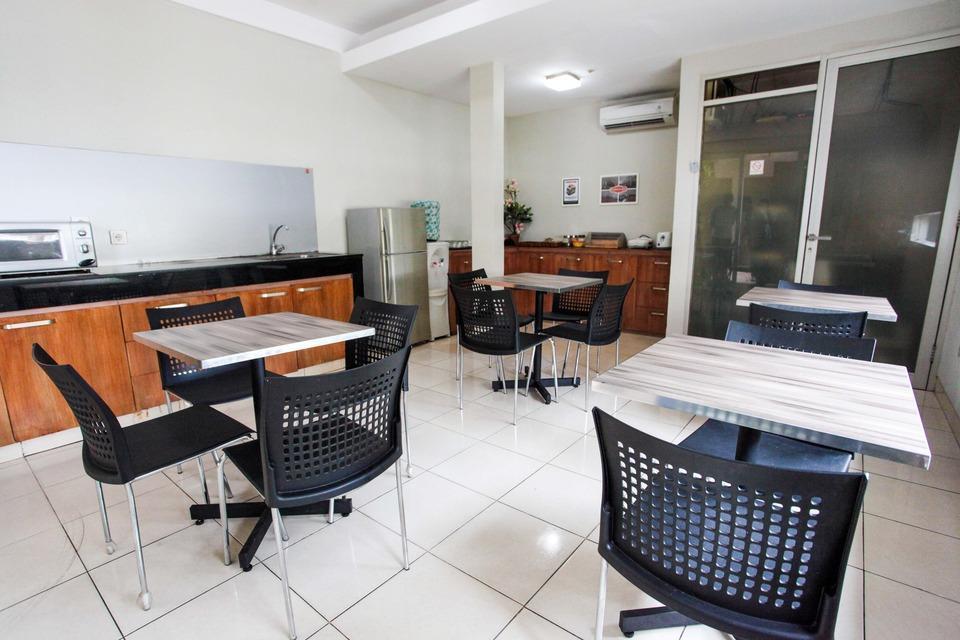 Leegreen Tondano Residence Jakarta - PANTRY