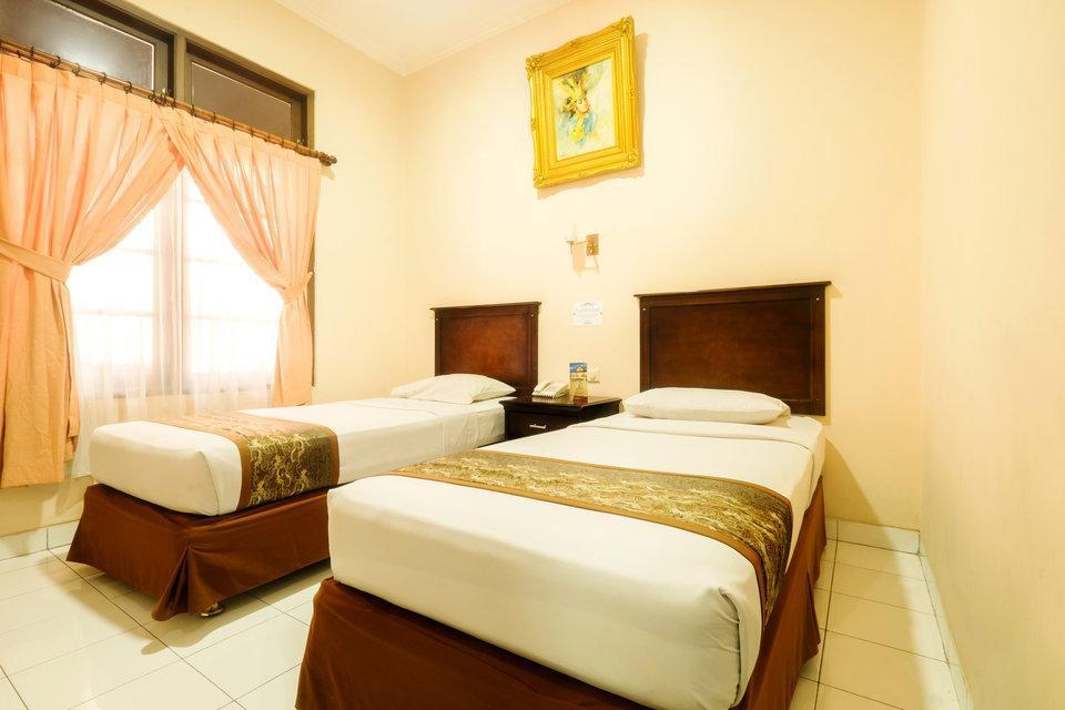 Malioboro Inn Hotel Jogja - TWIN DELUXE