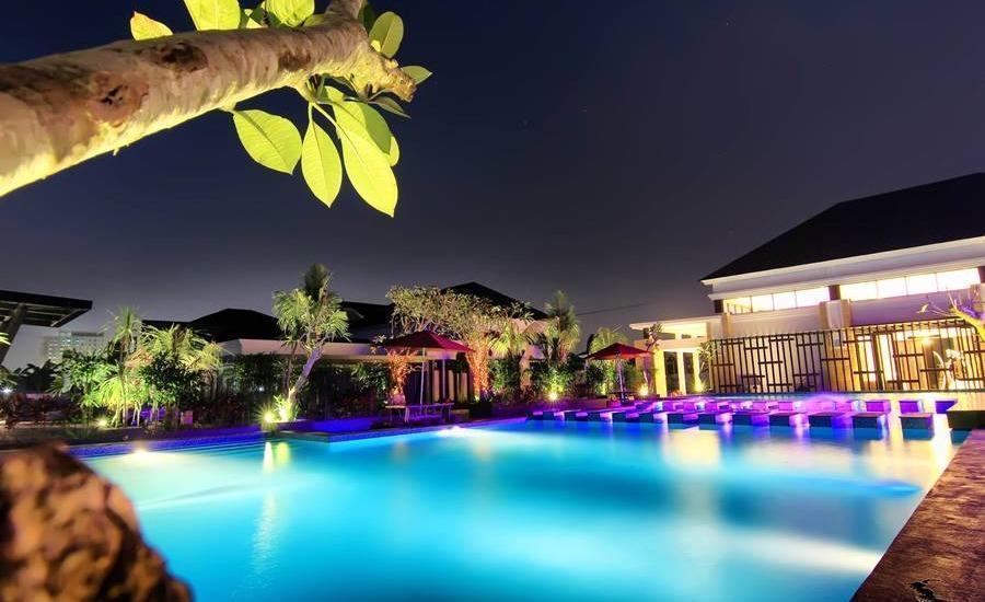 The Baliview Luxury Hotel & Resto Pekanbaru - Kolam Renang