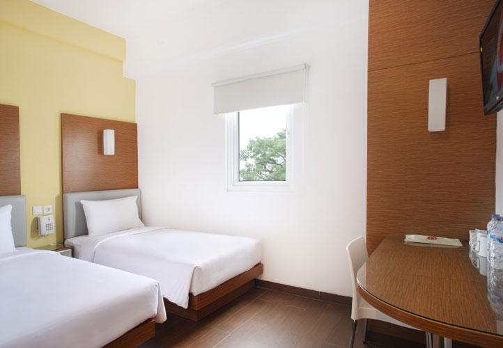 Amaris Hotel Malang - Smart Room Twin Last Minute Deal