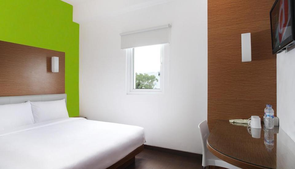 Amaris Hotel Malang - Smart Room Queen Special Promo Last Minute Deal