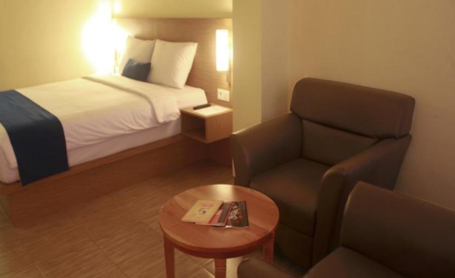 D Inn Hotel Surabaya Surabaya - Kamar tamu