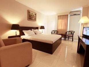Plaza Hotel Tegal - Kamar Deluxe Regular Plan