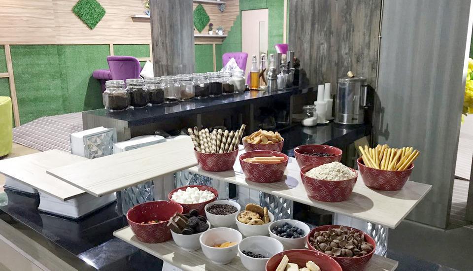 Best Skip Hotel Palembang - Meals
