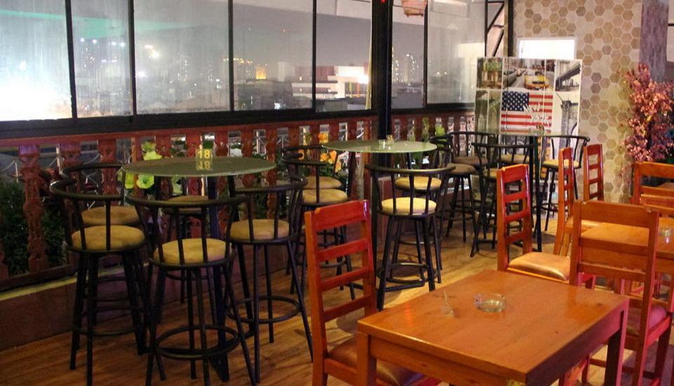 Antoni Hotel Jakarta - Restoran atap