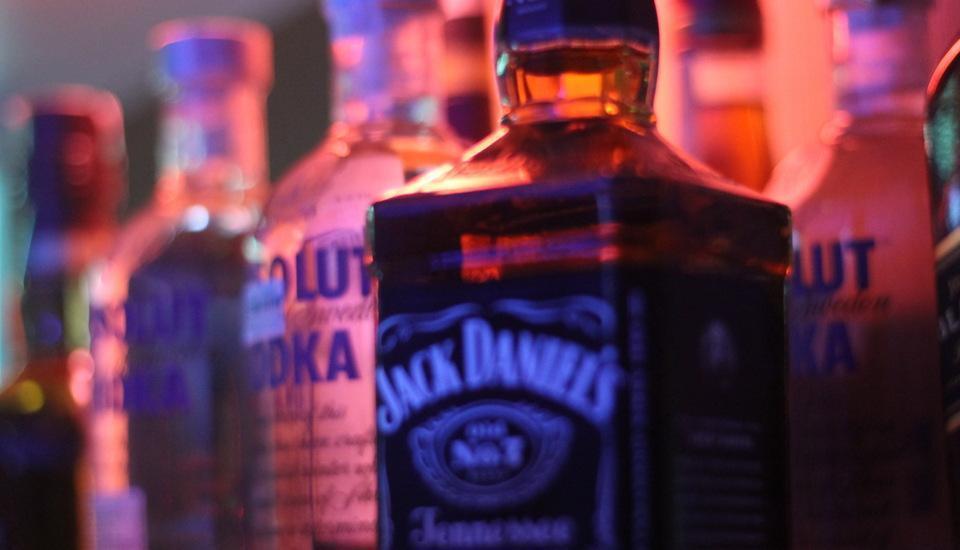 Antoni Hotel Jakarta - minuman keras