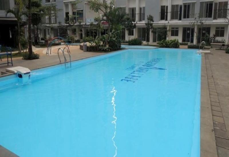 Paragon BIZ Hotel Tangerang - Swimming Pool
