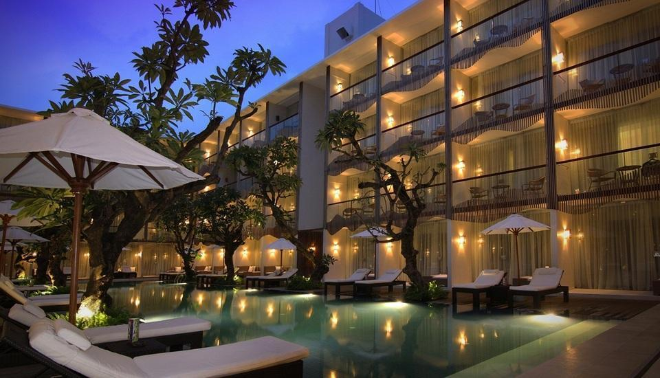 The Bene Hotel Bali - Night Pool View at The Bene Hotel