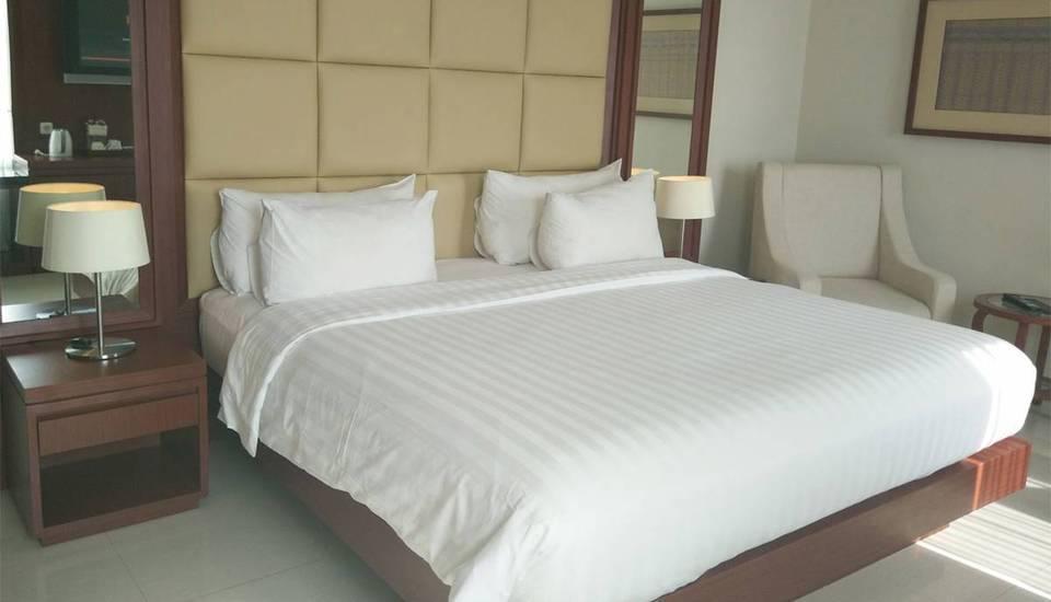 Hotel Santika Makassar - Executive Suite Room King Regular Plan