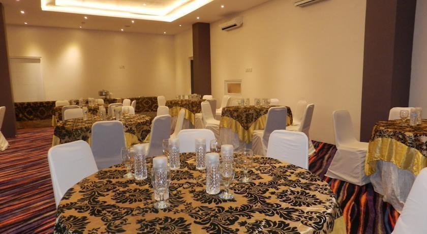 Salis Hotel  Setiabudi - Ballroom