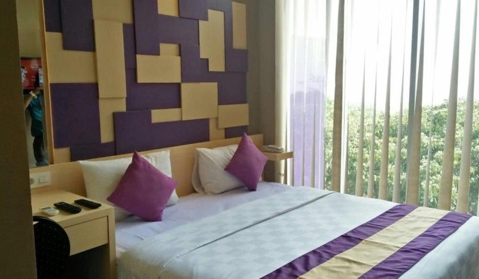 Salis Hotel  Setiabudi - Deluxe Double With Breakfast Regular Plan