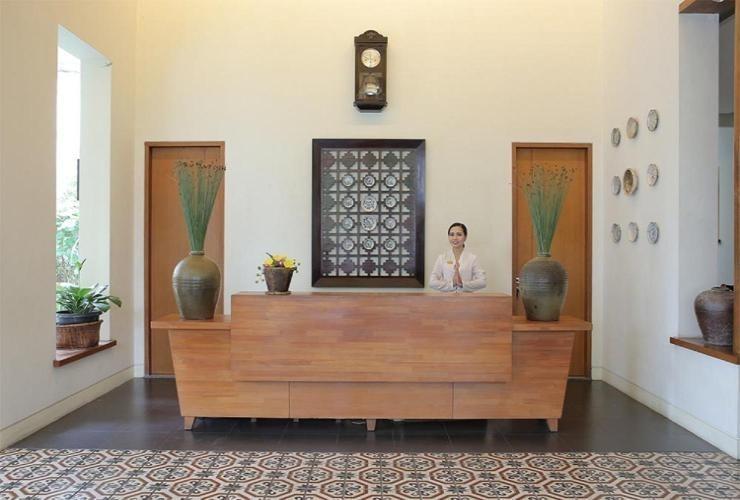 Billiton Hotel Belitung - Receptionist