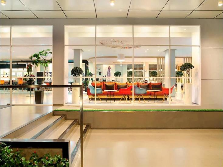 Ibis Bandung Pasteur - Hotel Front